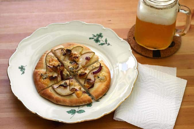 pear, blue cheese, and walnut pita pizza // the muffin myth