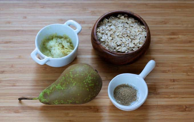warm oatmeal with pear, ginger, and cardamom // www.heynutritionlady.com