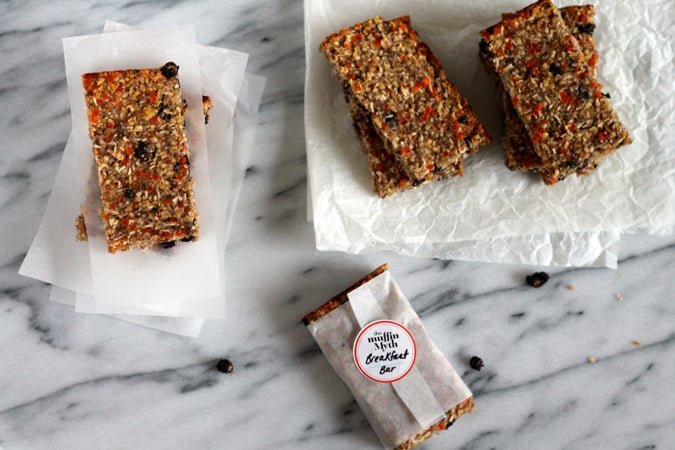 make and freeze breakfast bars {vegan and gluten free} // themuffinmyth.com