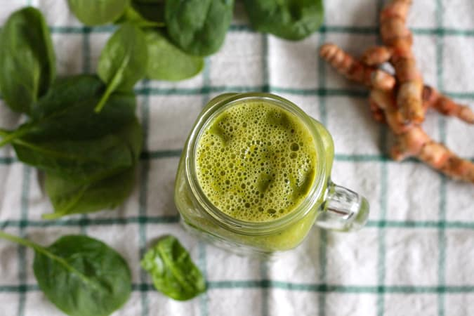mango turmeric sunshine smoothie // themuffinmyth.com