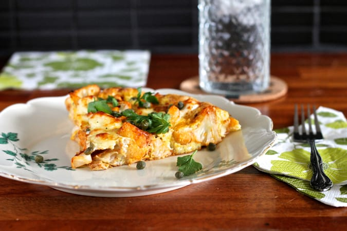 spicy harissa cauliflower frittata with halloumi and capers // themuffinmyth.com
