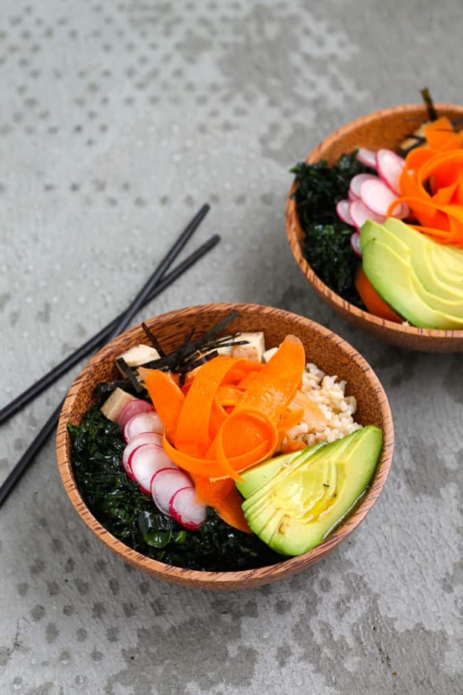 vegan poke bowls // www.heynutritionlady.com
