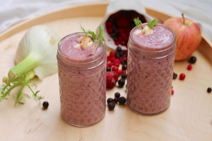 berry fennel smoothie // themuffinmyth.com