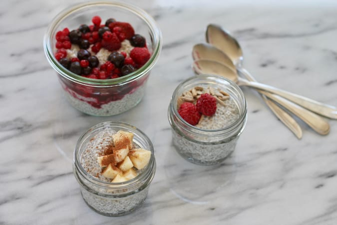 super simple chia pudding for a quick, easy, and healthy breakfast or snack! // www.heynutritionlady.com