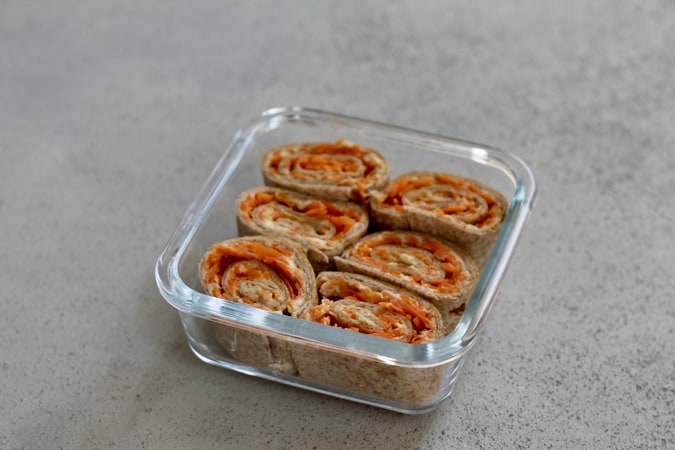 carrot hummus rolls - a quick and easy snack or lunch // www.heynutritionlady.com