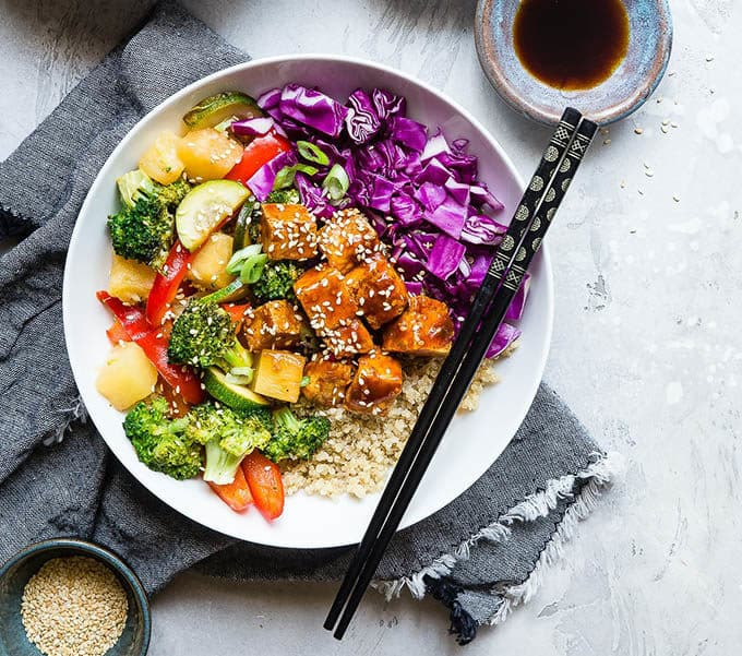 vegetarian lunch ideas: korean barbeque tofu bowls