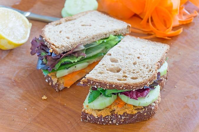 22 vegetarian lunch box ideas - spicy roasted chickpea veggie sandwich