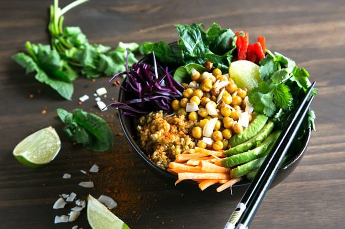 more vegetarian lunch ideas: spicy chickpea freekeh buddah bowl