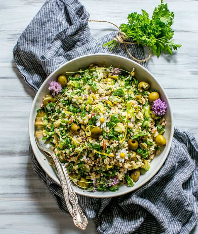 more vegetarian lunch box ideas: spinach pecan brown rice salad