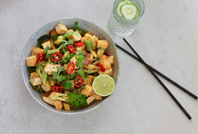 Red Curry Coconut Stir Fry with Tofu and Veggies // www.heynutritionlady.com