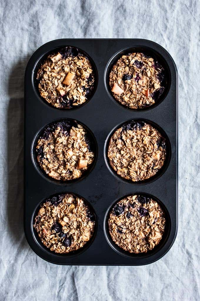 baked oatmeal cups in a six-cup muffin tin
