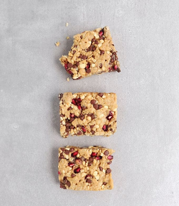 low fodmap breakfats bars on a marble background