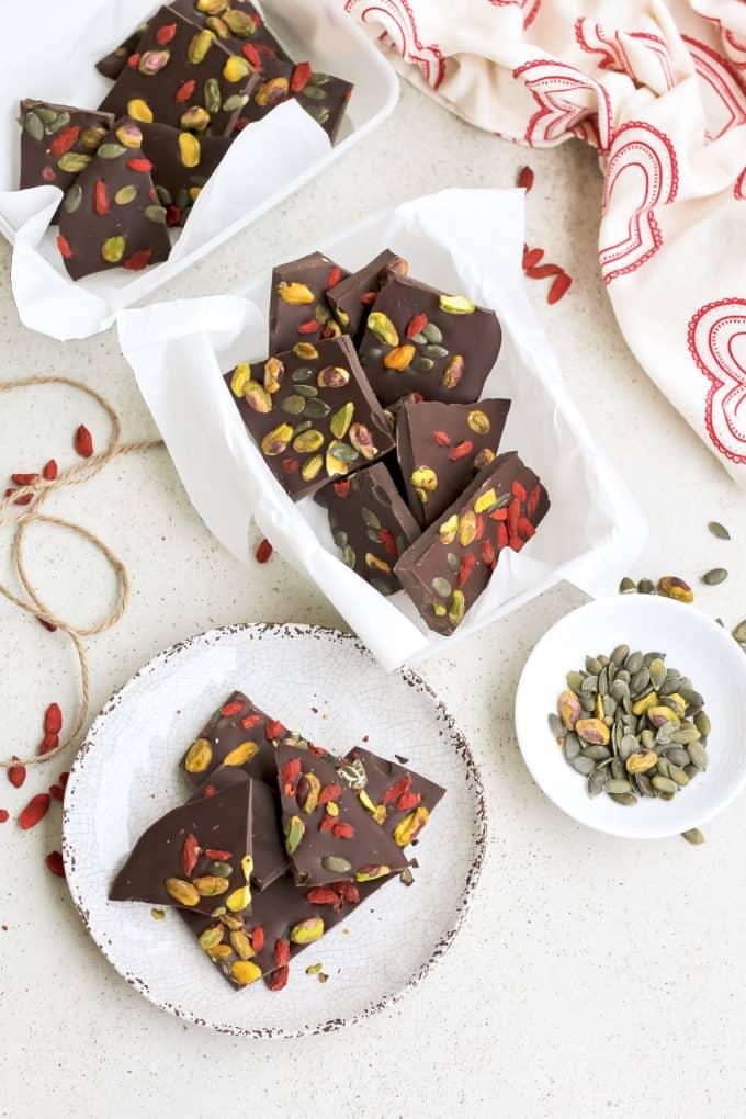 dark chocolate bark with pistachios and goji berries